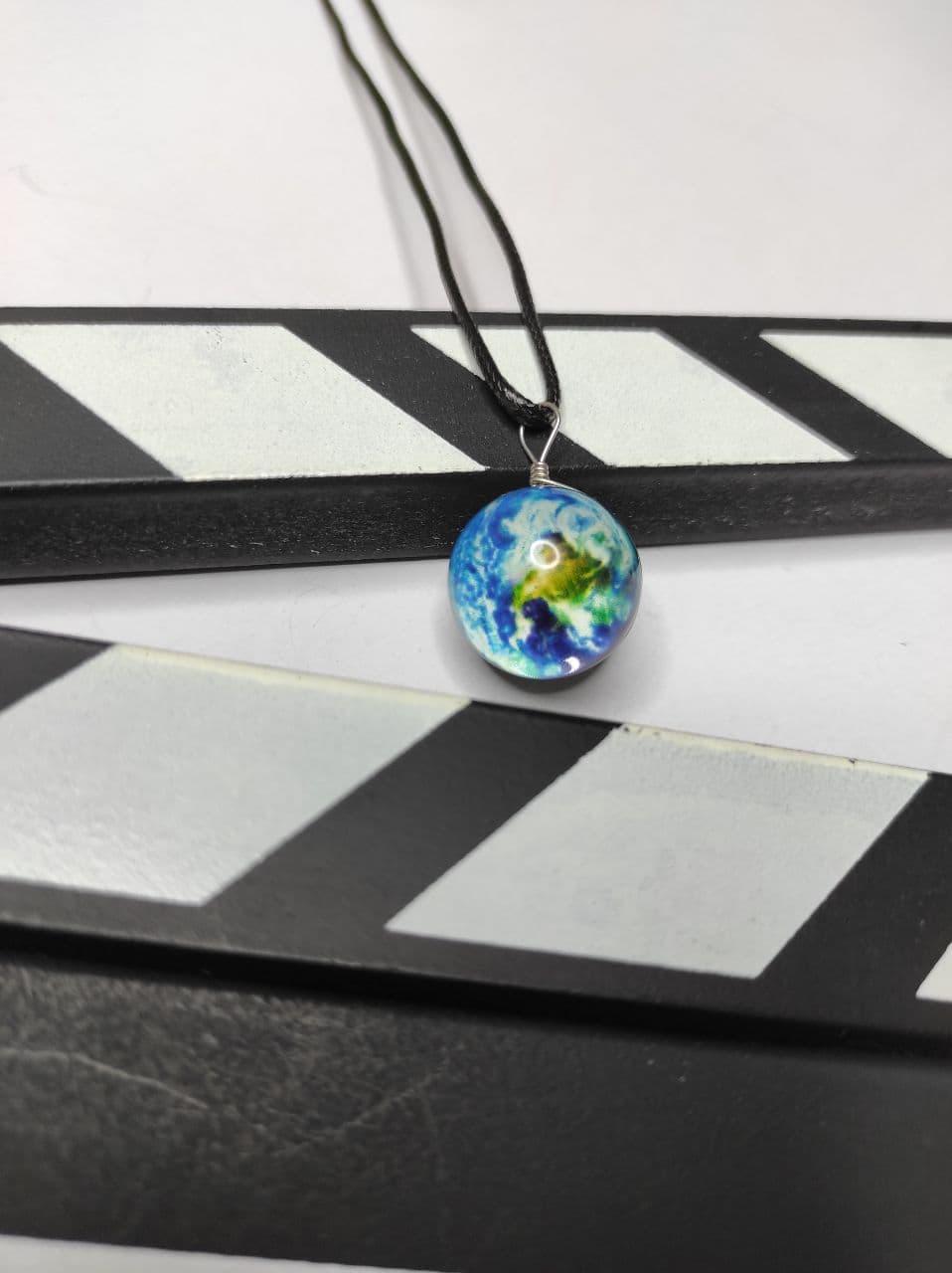 گردنبند سیاره کره زمین